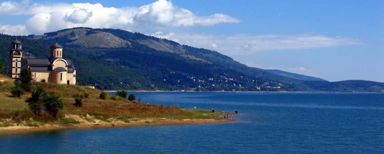 Göl ve Kilise - Mavrovo