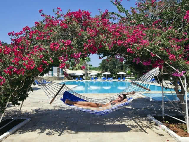 Güneş Keyfi - Merit Cyprus Gardens Holiday Village