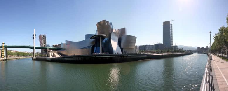 Nervion Nehri ve Guggenheim Müzesi - Bilbao