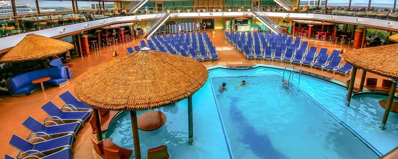 Havuz Alanı - Carnival Horizon