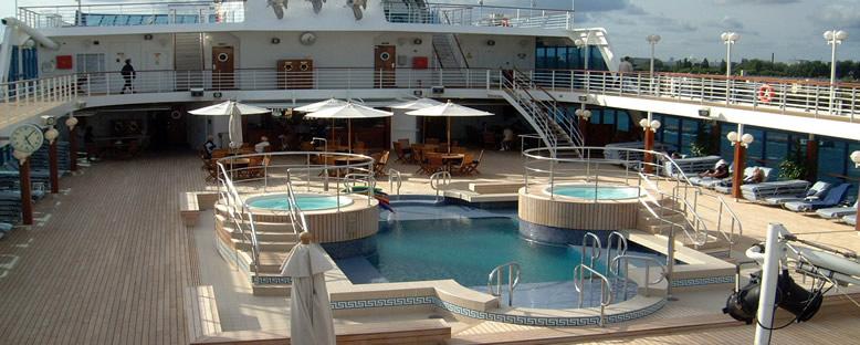 Havuz Alanı - Oceania Regatta