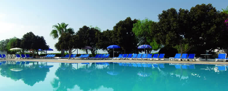 Havuz Başı - Merit Cyprus Gardens Holiday Village