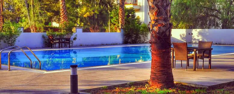 Havuz Başı - Park Palace Hotel