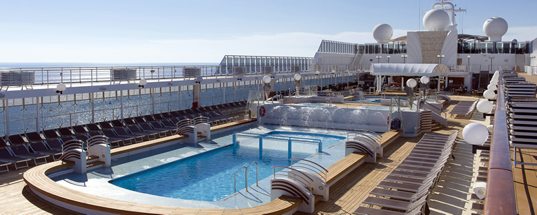 Havuz ve Güneşlenme Alanları - MSC Opera