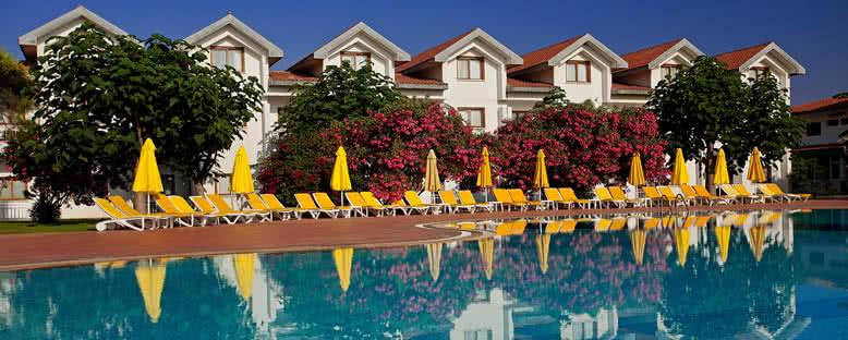 Havuz Kenarı - Salamis Bay Conti Hotel