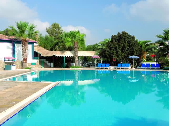 Havuz Keyfi - Merit Cyprus Gardens Holiday Village