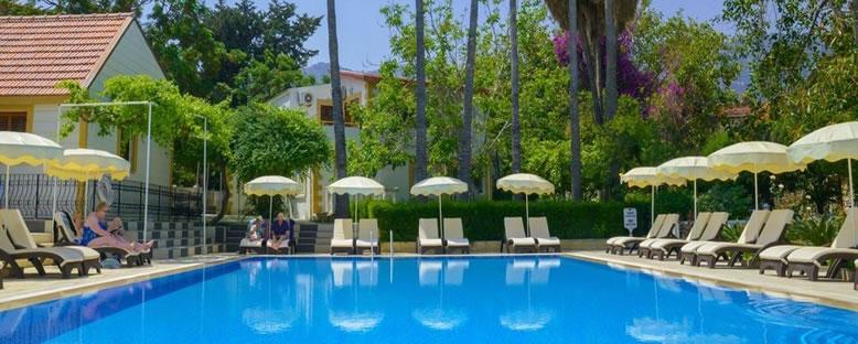 Havuz Keyfi - Riverside Garden Resort