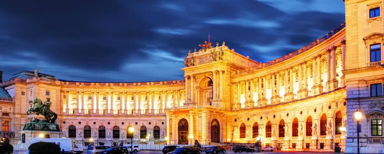 Hofburg Sarayı Gece Manzarası - Viyana