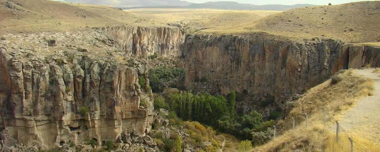 Ihlara Vadi Manzarası - Kapadokya