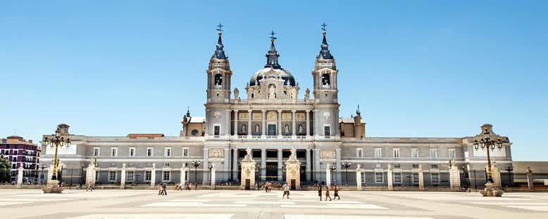 Almudena Katedrali - Madrid