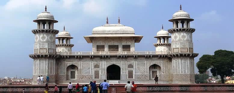 Itimad-ud-Daulah Mozolesi - Agra