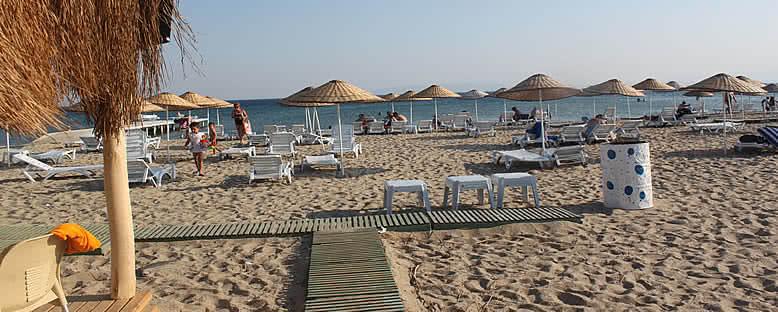 Sarımsaklı Plajı Manzarası - Ayvalık