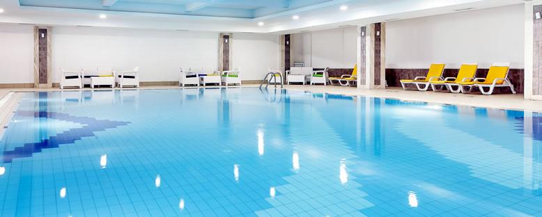 Kapalı Havuz - Salamis Bay Conti Hotel