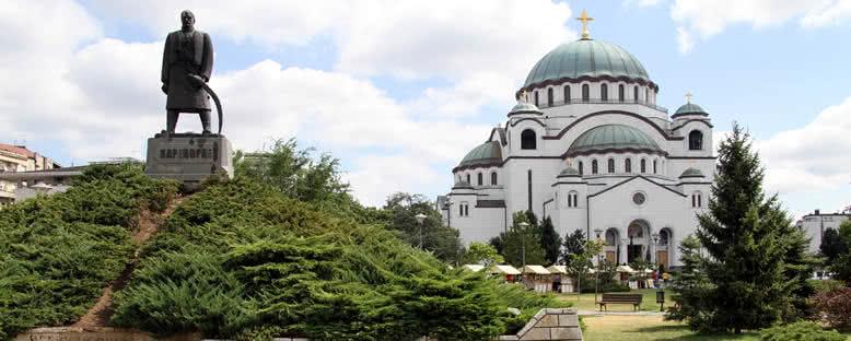 Karageorge Anıtı ve Katedral - Belgrad