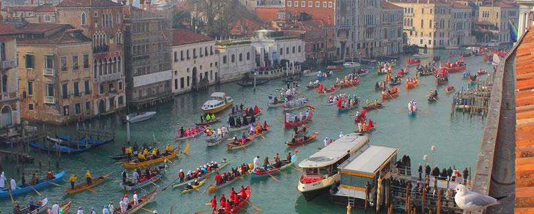 Karnaval Geçidi - Venedik