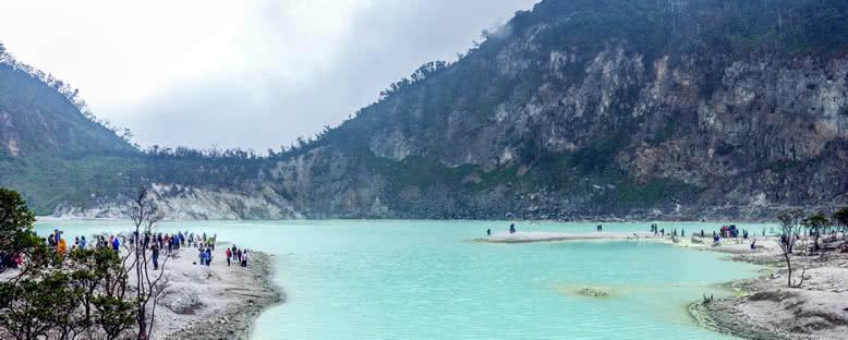 Kawah Putih Krater Gölü - Bandung