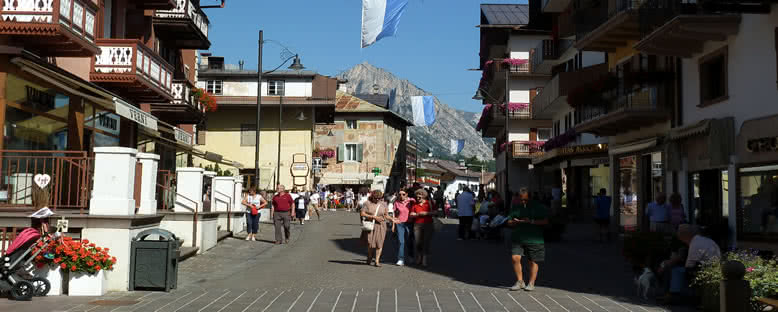 Kent Merkezi - Cortina d'Ampezzo