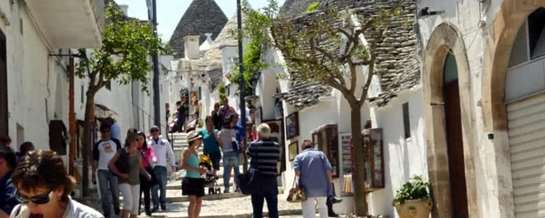 Kent Sokakları - Alberobello