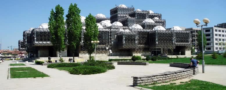 Kosova Halk Kütüphanesi - Priştine