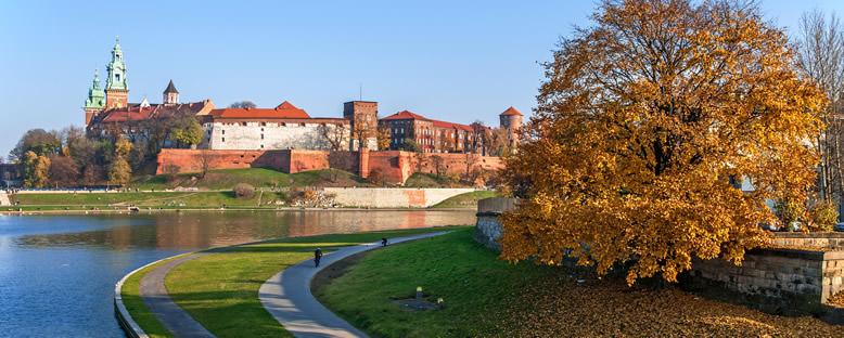 Vistula Nehri ve Wawel Şatosu - Krakow