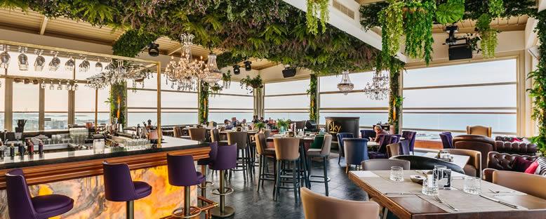 Lounge Bar - Lord's Palace Hotel
