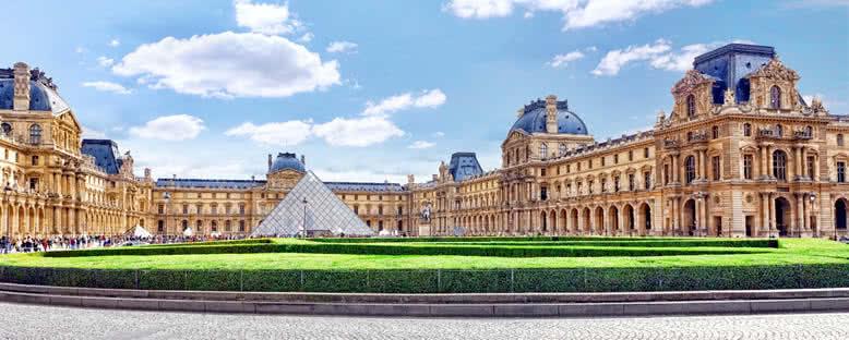 Louvre Müzesi - Paris