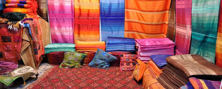 Geleneksel Renkli Kumaşlar - Fez