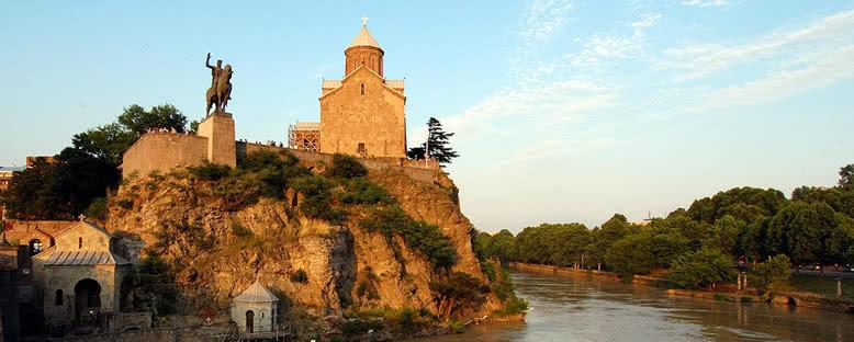 Metekhi Kilisesi - Tiflis