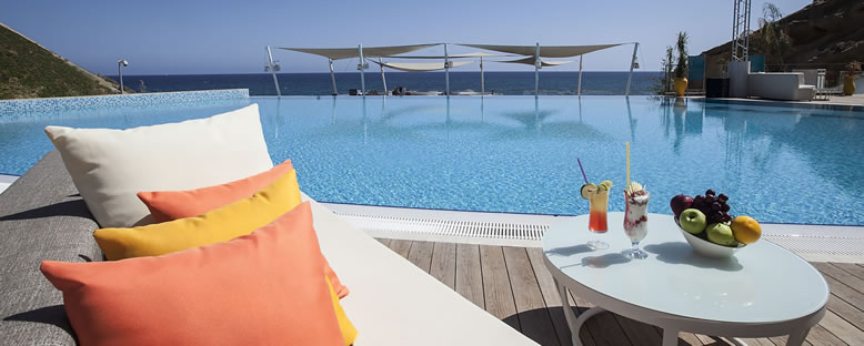 Mia Beach Club - Elexus Hotel