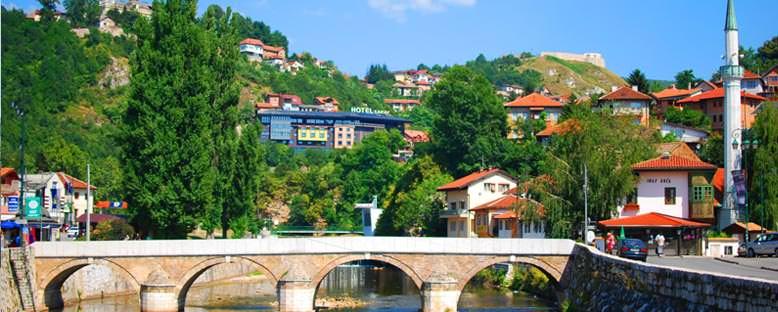 Miljacka Nehri ve Köprü - Saraybosna