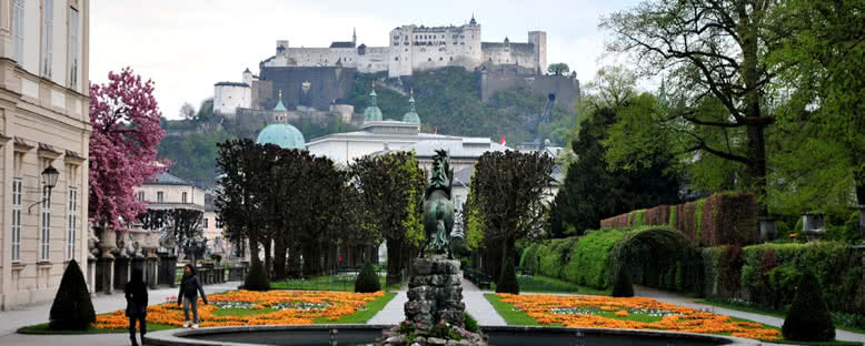 Mirabell Sarayı Bahçeleri - Salzburg