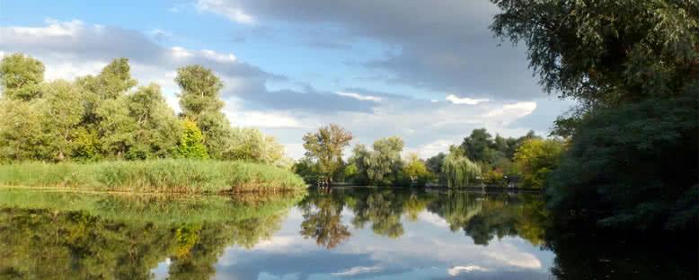 Nehirden Doğa Manzaraları - Herson