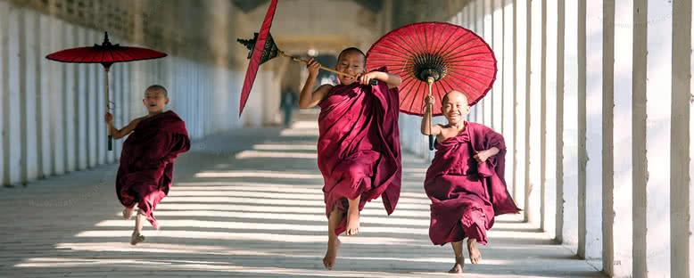 Öğrenci Keşişler - Bagan