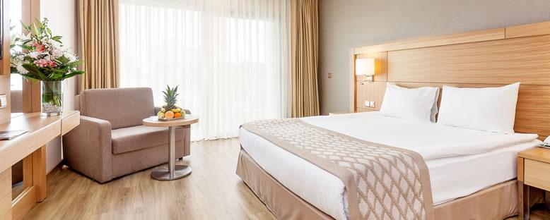 Örnek Double Oda - Salamis Bay Conti Hotel