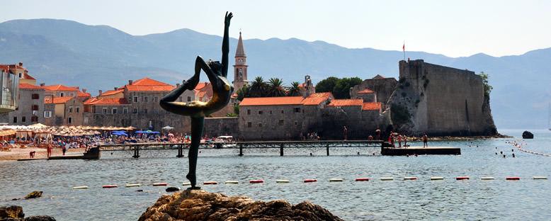 Dans Eden Kız Heykeli - Budva