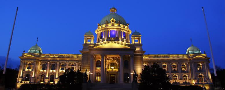 Parlamento Binası Gece Manzarası - Belgrad