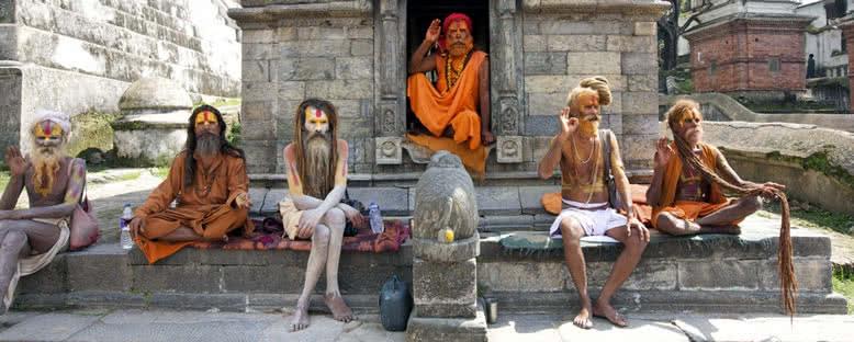 Pashupatinath Tapınağı'da Yogiler - Katmandu