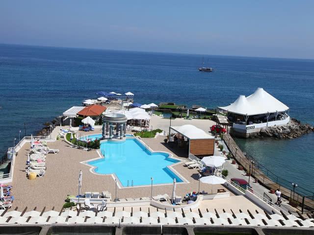 Plaj&Havuz - Dome Hotel