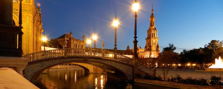 Plaza Espana'da Gece Manzarası - Sevilla