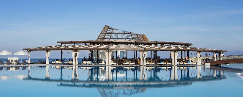 Pool Bar - Elexus Hotel