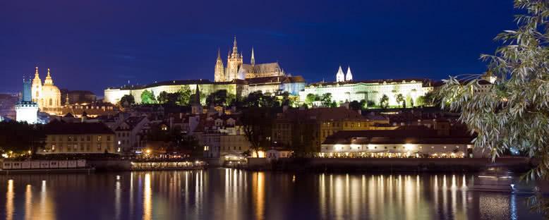 Prag Şatosu Gece Manzarası - Prag
