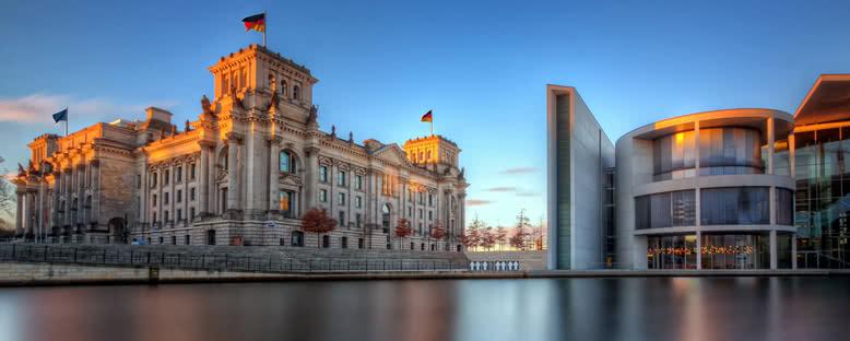 Reichstag ve Paul Löbe Haus - Berlin