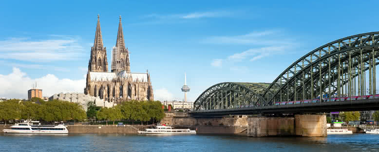 Ren Nehri ve Köln Katedrali - Köln