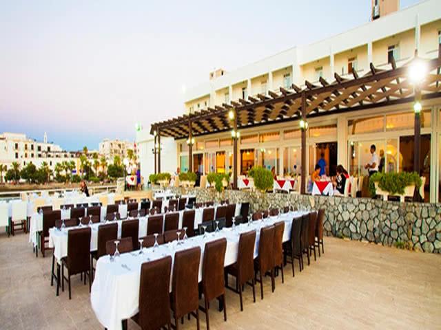 Restaurant - Dome Hotel