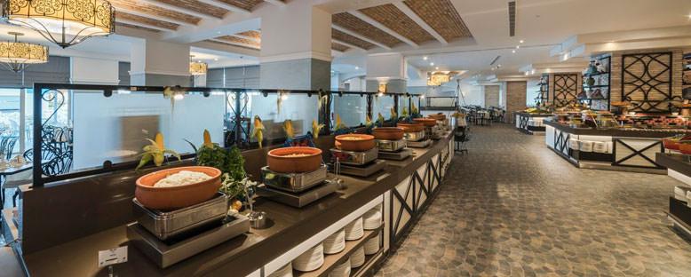Limak Cyprus Deluxe Hotel - Restoran Giriş