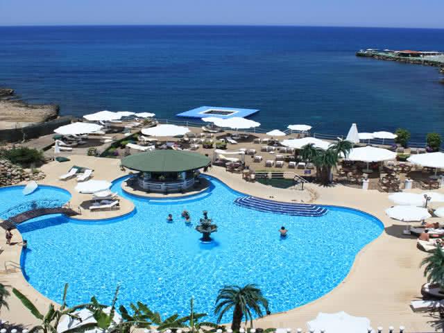 Rocks Hotel - Açık Havuz