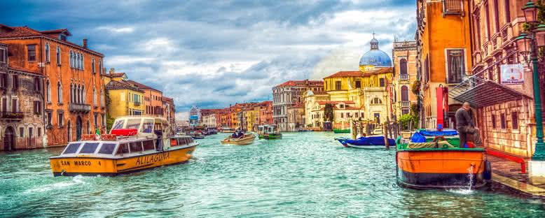 Kanal ve Binalar - Venedik