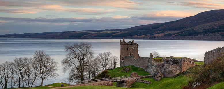Loch Ness Gölü - İskoçya