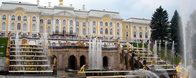 Petergoff Sarayı Bahçeleri - St. Petersburg