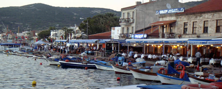 Sahil Restoranları - Eski Foça